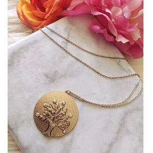 Nwt Tree Pendant on a  long chain